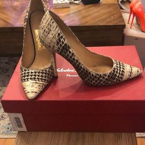 Salvatore ferragamo houndstooth pumps